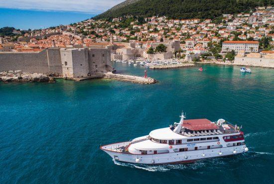 MS Adriatic Pearl - Exterior