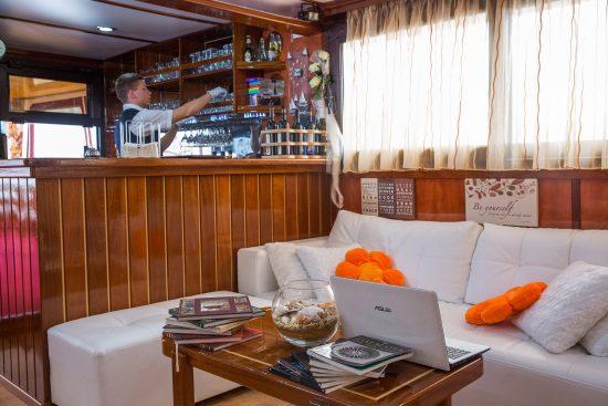 MS Princess Aloha Lounge